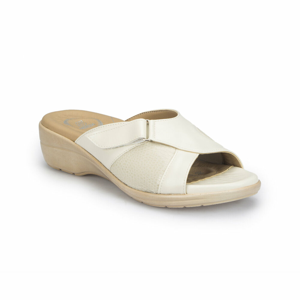 The latest ladies wedge sandals